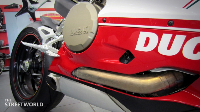 Ducati Superbike 1199 Panigale S 2012 Exhaust Underbody