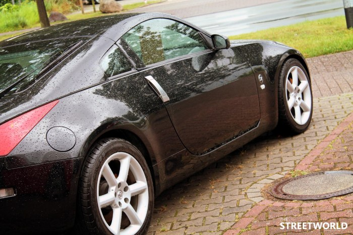 Nissan 350Z Side Black