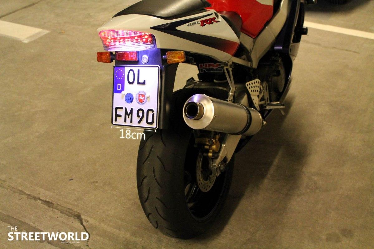 Anleitung: Kleines Motorradkennzeichen - einfach tauschen