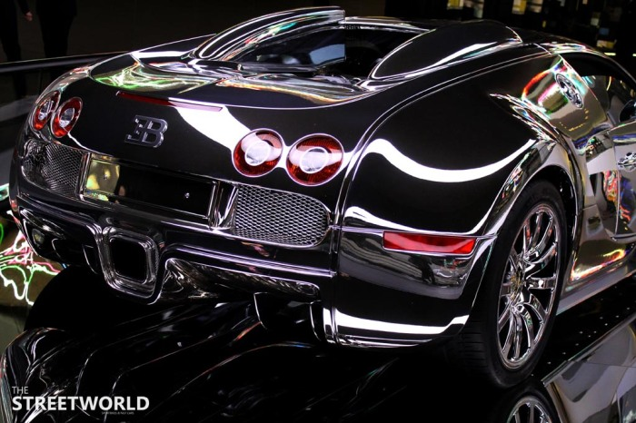 bugatti veyron chrome back