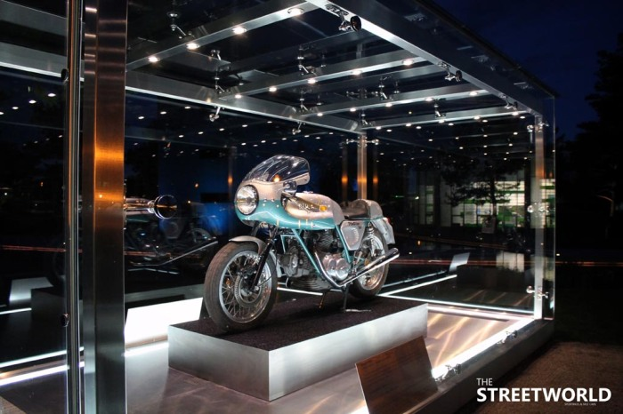 Ducati Desmo 750 Super Sport Autostadt