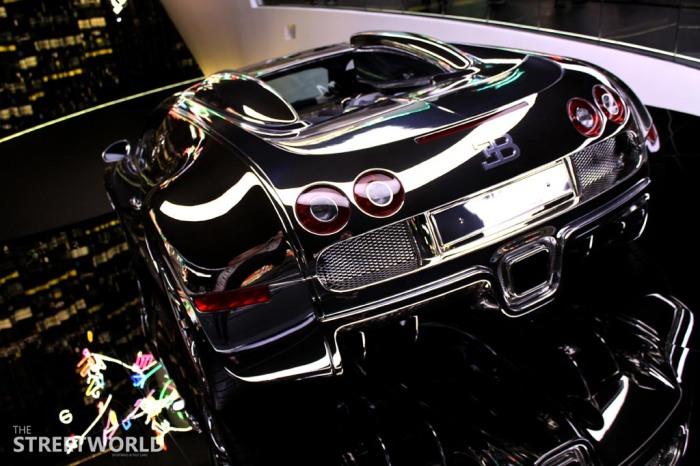 Silver Bugatti Veyron