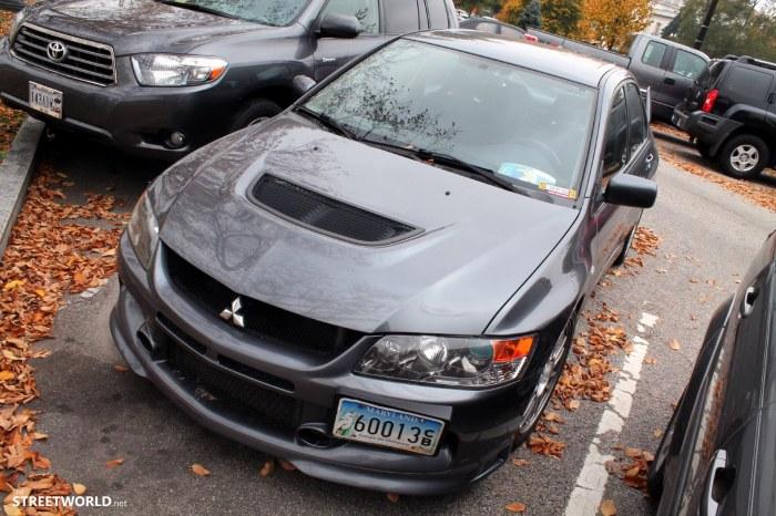 Mitsubishi Lancer Evolution 8 Grey