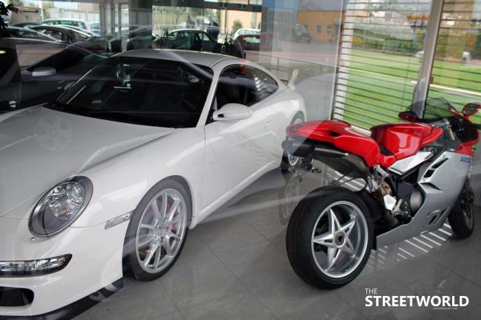 MV Agusta F4 Porsche 911