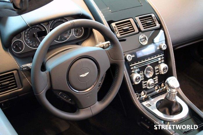 v12 vantage roadster cockpit